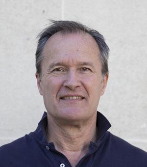Portrait photo of Tom Cadoux-Hudson